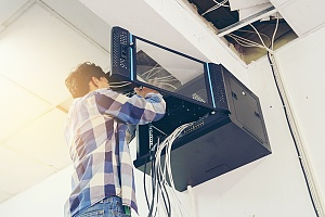 it professional installing a network server as a part of managed it services in brooklyn new york