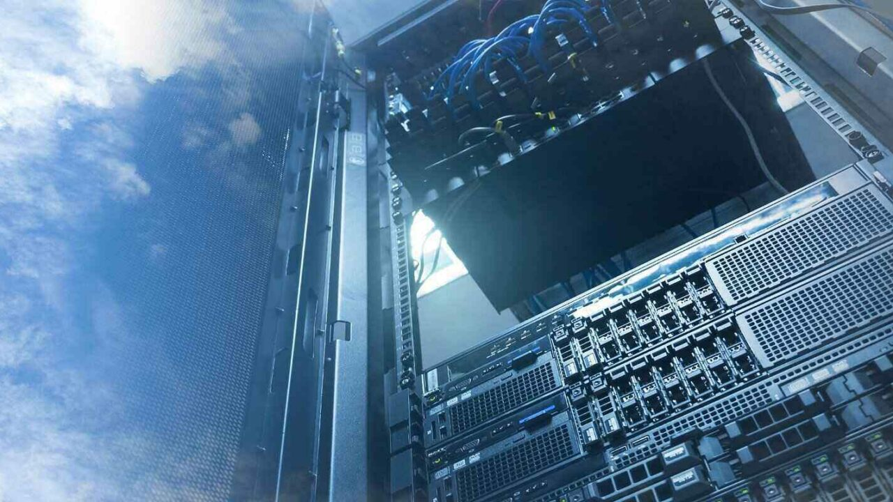 business continuity vs disaster recovery concept